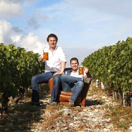 Les brasseurs Maddam dans les vignes de Chablis