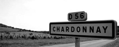Panneau d'entrée dans le village de Chardonnay en Bourgogne