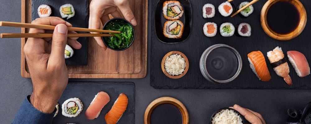 Plat de Sushis, Sashimis et Makis japonnais